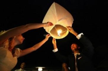 il-volo-delle-lanterne-per-sposi1