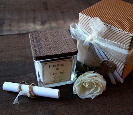 bomboniere-con-candele-personalizzate-matrimonio