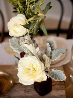 ci-she-n-he-photography_rustic-wedding-floral-centerpiece_s3x4-jpg-rend-hgtvcom-966-1288