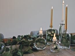 original_kristin-guy-winter-solstice-party-glass-bottle-centerpiece-final-2-jpg-rend-hgtvcom-966-725