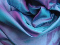 seta-tessuto-leggero-e-trasparente